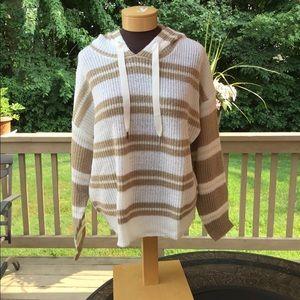 🎈🎈Jennifer Lopez Hooded Crop Shoulder sweater